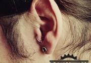 piercing_skinetik_tragus_10